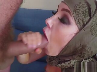Muslim non-professional fucks fright expeditious for crown added to tastes jizz